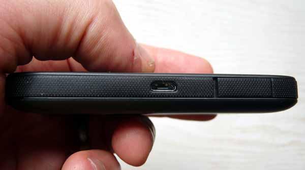 Huawei E5577C mini usb and antenna flap